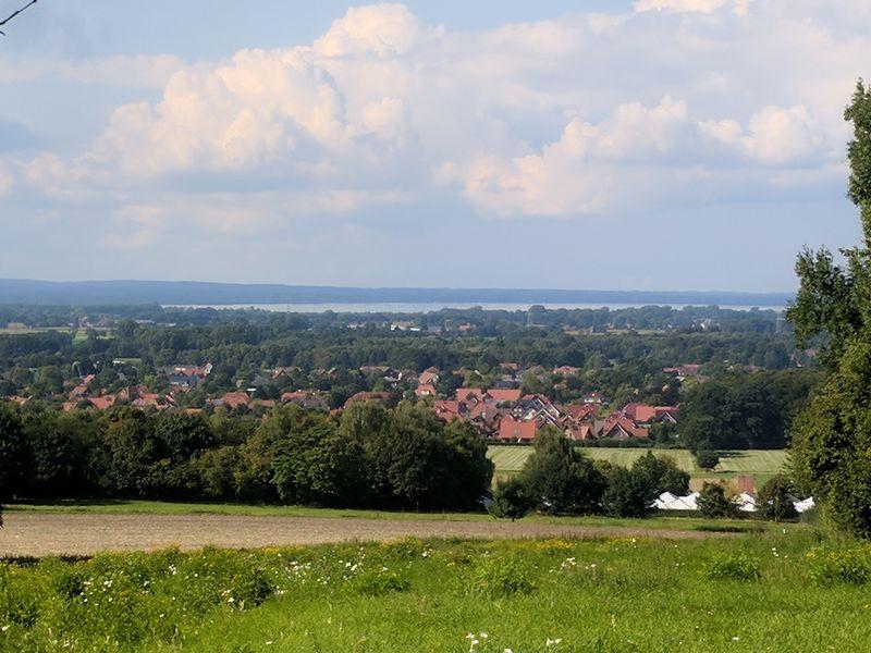 Ein Spaziergang mit Blick auf den Dümmersee